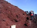 赤い岩の道