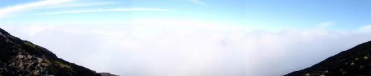 富士山から雲海を眺める
